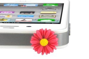 iPhone Daisy Dust Plug