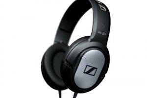 Sennheiser HD201 Lightweight Headphones