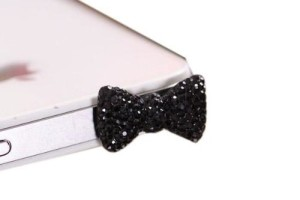 Black iPhone Bow Earphone Plugger