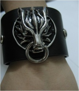 Cloud Strife Fenrir Armband